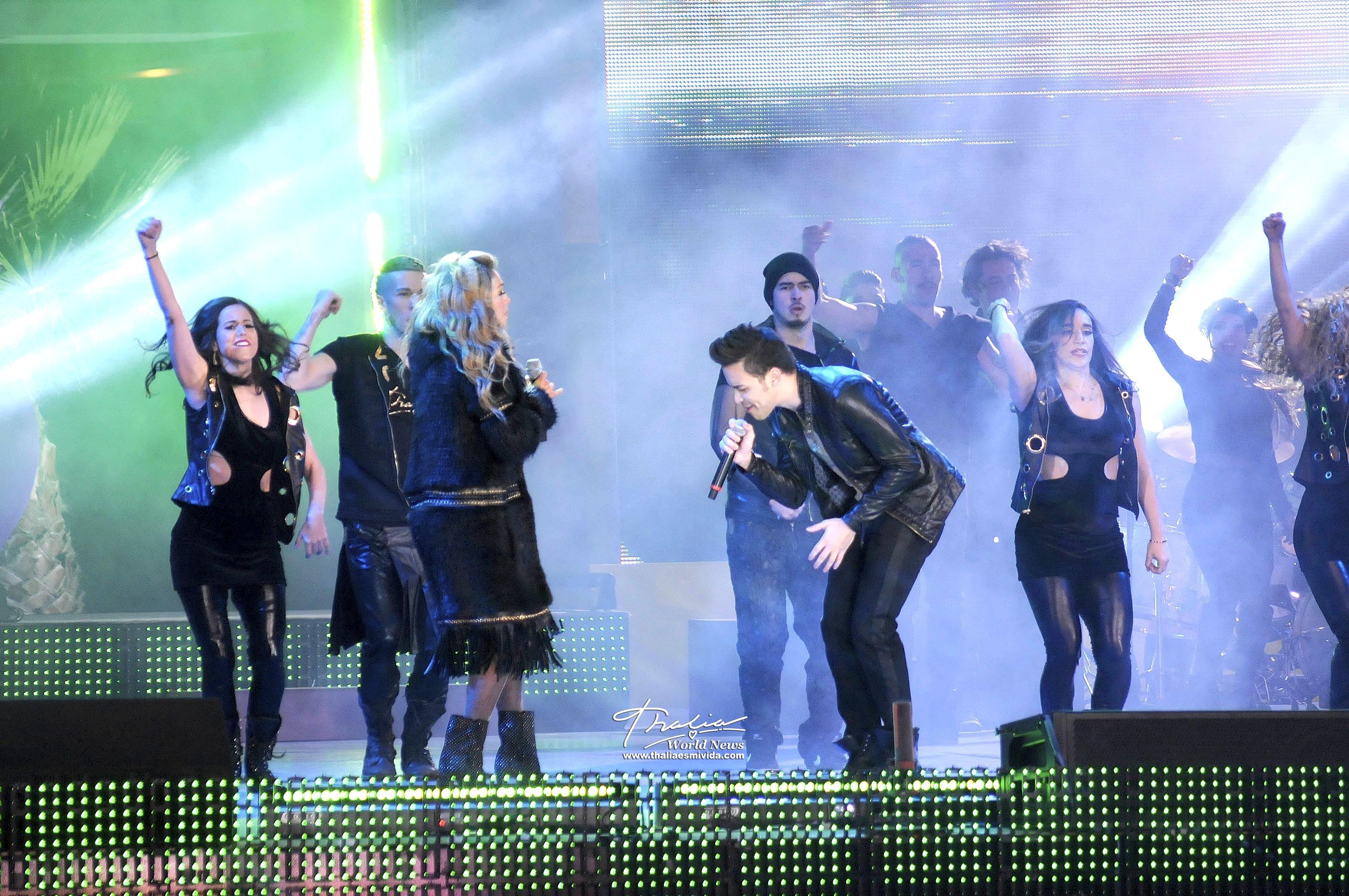 El espectacular dueto de las estrellas se dio en la noche de apertura del Teletón 2013, el cual recaudó este año más de 473 millones de pesos