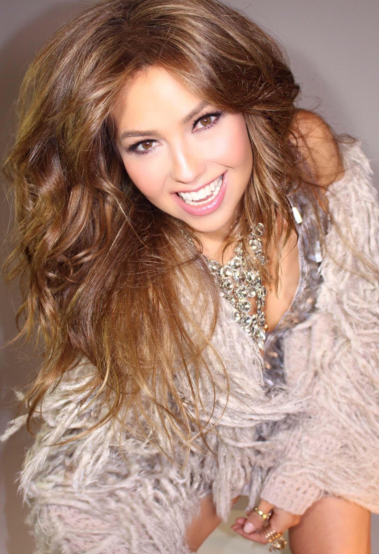 Clic aquí para más de 10 mil imágenes de Thalía